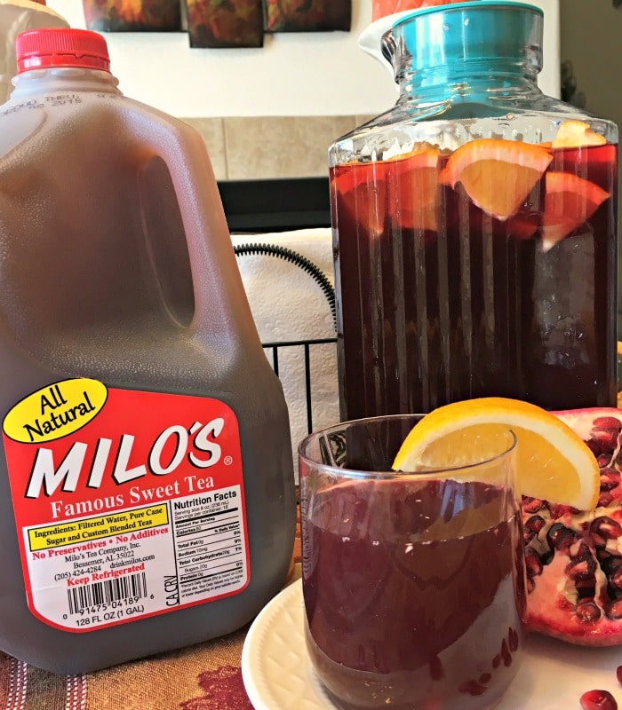 Pomegranate Citrus Sweet Tea, Sweet Tea Recipes with fresh fruit, Milo's Sweet Tea Recipes, Holiday preparation, Milo's Tea, Family Tea, #Pmedia, #HolidayswithMilos, #DrinkMilos
