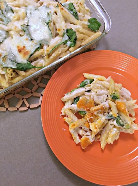 Buffalo Chicken Alfredo Bake, Farm Rich Foods, #MomsWingMan, #FarmRichSnacks, Easy 1-dish meals, 1 dish meals with fresh veggies, Buffalo Chicken meals