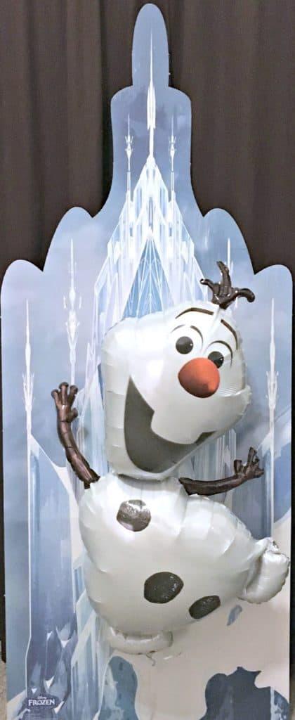 Frozen Birthday Party Ideas, Frozen Food Labels, Frozen Movie Food Ideas, Frozen entertainment Ideas, Oriental Trading Frozen, Oriental Trading Review, Oriental Trading Frozen Party