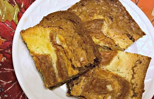 Pumpkin Cheesecake Chocolate Chip Blondies, Pumpkin Cheesecake blondies, Recipe for pumpkin cheesecake blondies