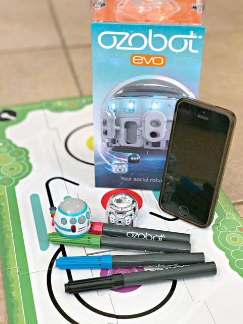 #ozonation, Ozobot evo review, How to code with the ozobot evo, Basic video of how to code with the ozobot evo, How to use the ozobot evo,