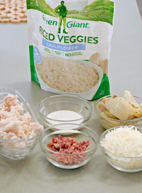 Low Carb cauliflower pizza, Green Giant riced veggies, how to use green giant riced cauliflower to make pizza crust, easy cauliflower pizza crust recipe, cauliflower pizza crust printable recipe, cauliflower pizza crust how to video, Chicken bacon, artichoke and ranch cauliflower pizza, Low carb, high protein pizza options