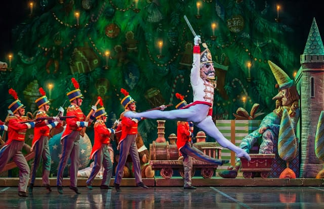 Colorado Ballet Nutcracker 2017 Review, What to expect from The Nutcracker, Is the nutcracker for little kids, 5 reasons you must see the nutcracker, Colorado blogger, Denver blogger, Colorado social influencer,