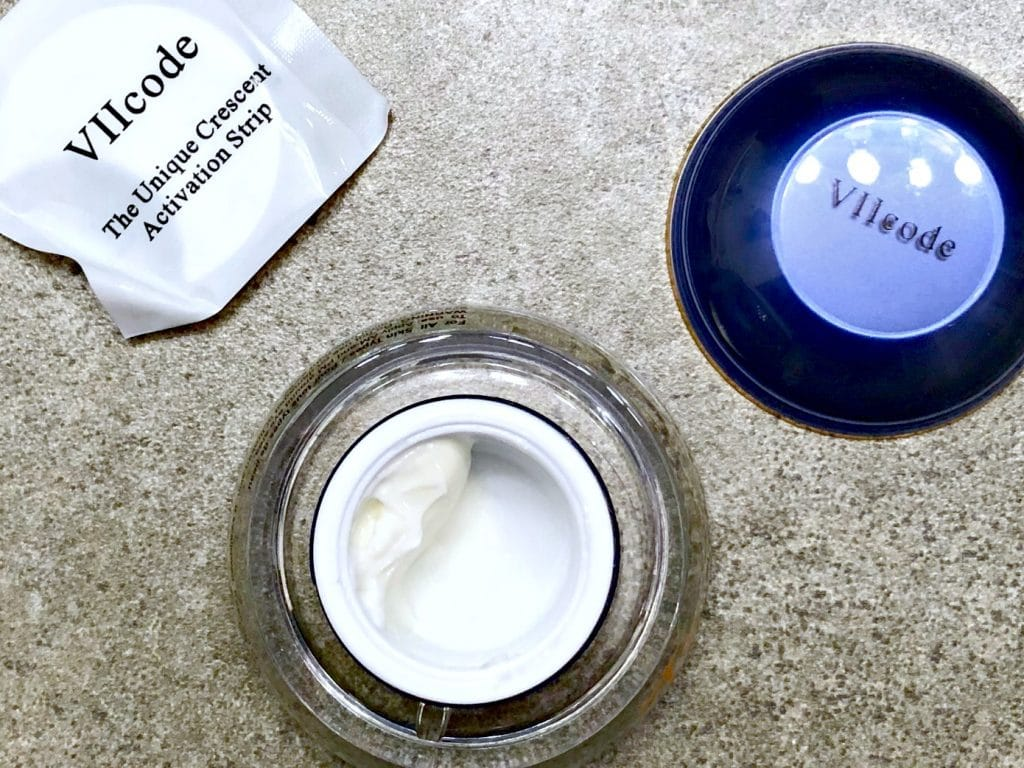 VIIcode Oxygen Eye Cream Review, Results with VIIcode Oxygen Eye Cream, how to use the activator strip with the VIIcode Oxygen Eye Cream