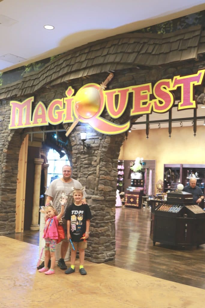 Great Wolf Lodge, Great Wolf Lodge Colorado, Great Wolf Lodge Review, Honest Review of Great Wolf Lodge, Is Great Wolf Lodge worth the money, What activities can you do at Great Wolf Lodge, Restaurants of Great Wolf Lodge, Family Friendly indoor waterpark, indoor water park colorado