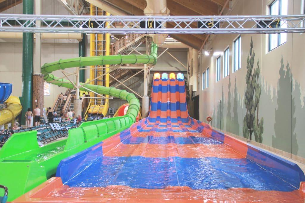 Family Friendly indoor waterpark, indoor water park colorado