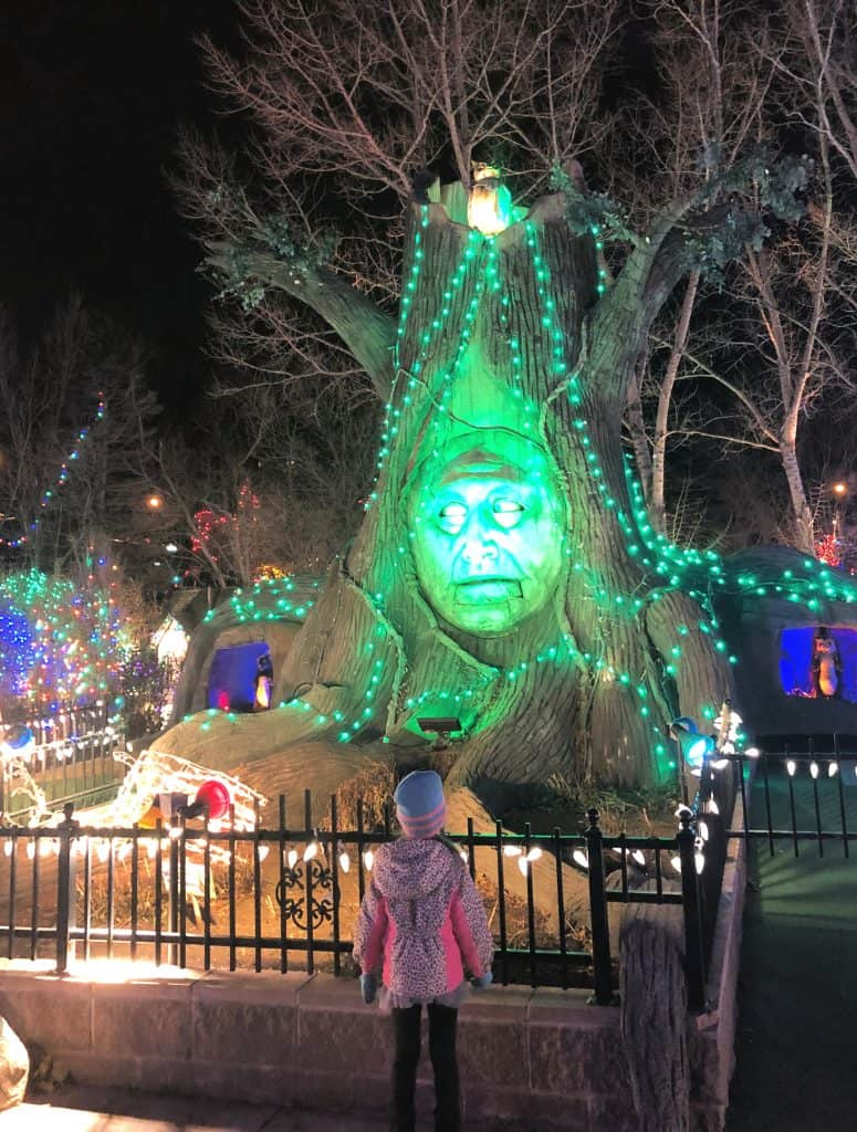 Holiday Light Displays Colorado, Christmas Lights in Colorado, Where to see Christmas lights in Denver, Things to do in Denver during Christmas, Mini Golf in Colorado, Best mini golf in Colorado, Adventure Golf and Raceway Holiday Lights