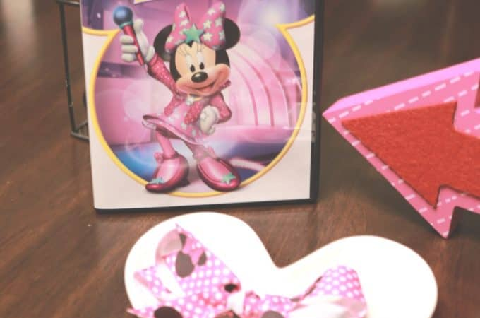 Simple Minnie Clip Bow Tutorial inspired by Minnie Bow Be Mine!