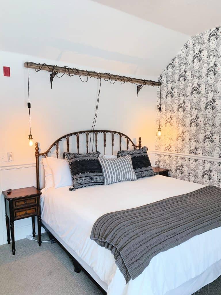 Queen Anne Suite The Dove Inn