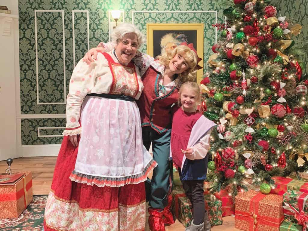 Mrs. Claus at Gaylord Rockies