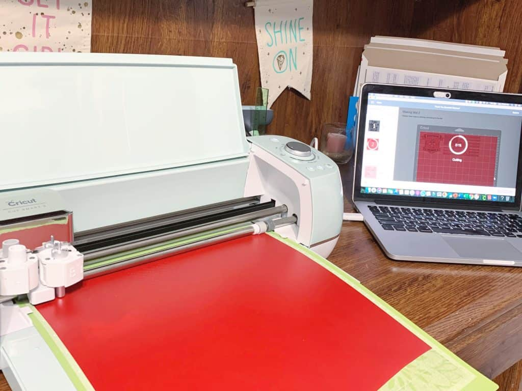 Designing Thank You Sign with Cricut