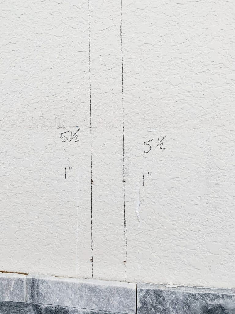 mantle wall markings